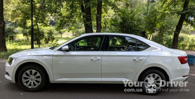 skoda-superb-with-driver-rental-kiev-yourdriver-3