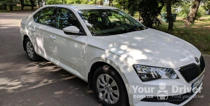 skoda-superb-with-driver-rental-kiev-yourdriver-5